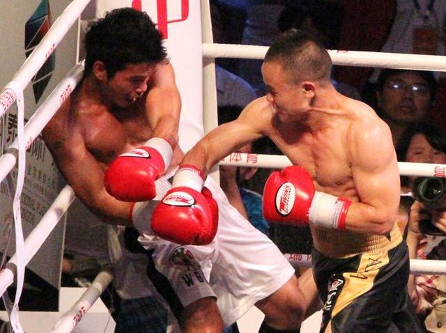 熊朝忠TKO菲律宾拳王